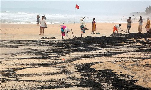 Oil Spill Sleuths use Chemical Fingerprinting to Identify Sources of Tar Balls
