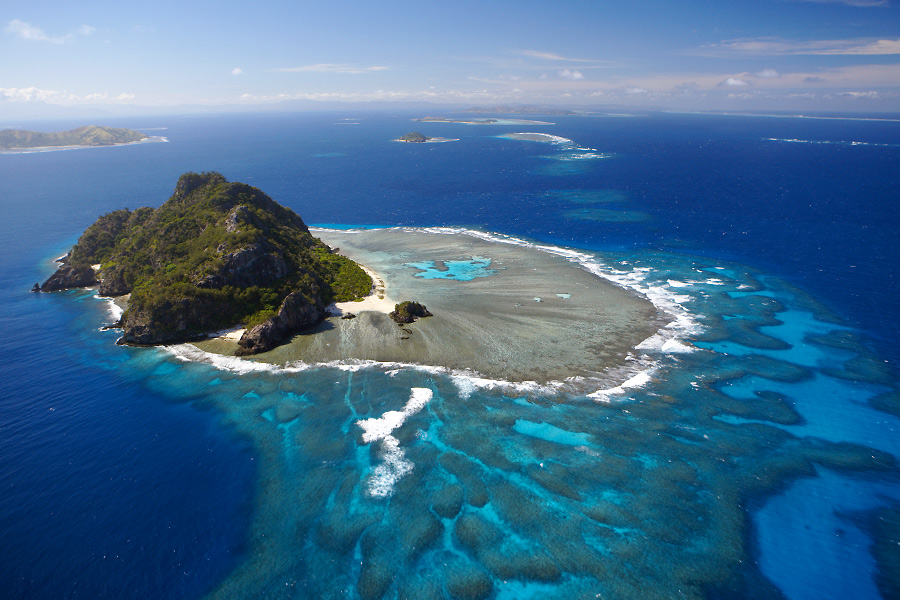 How Does Pacific Island Climate Change Under Various El-Niño