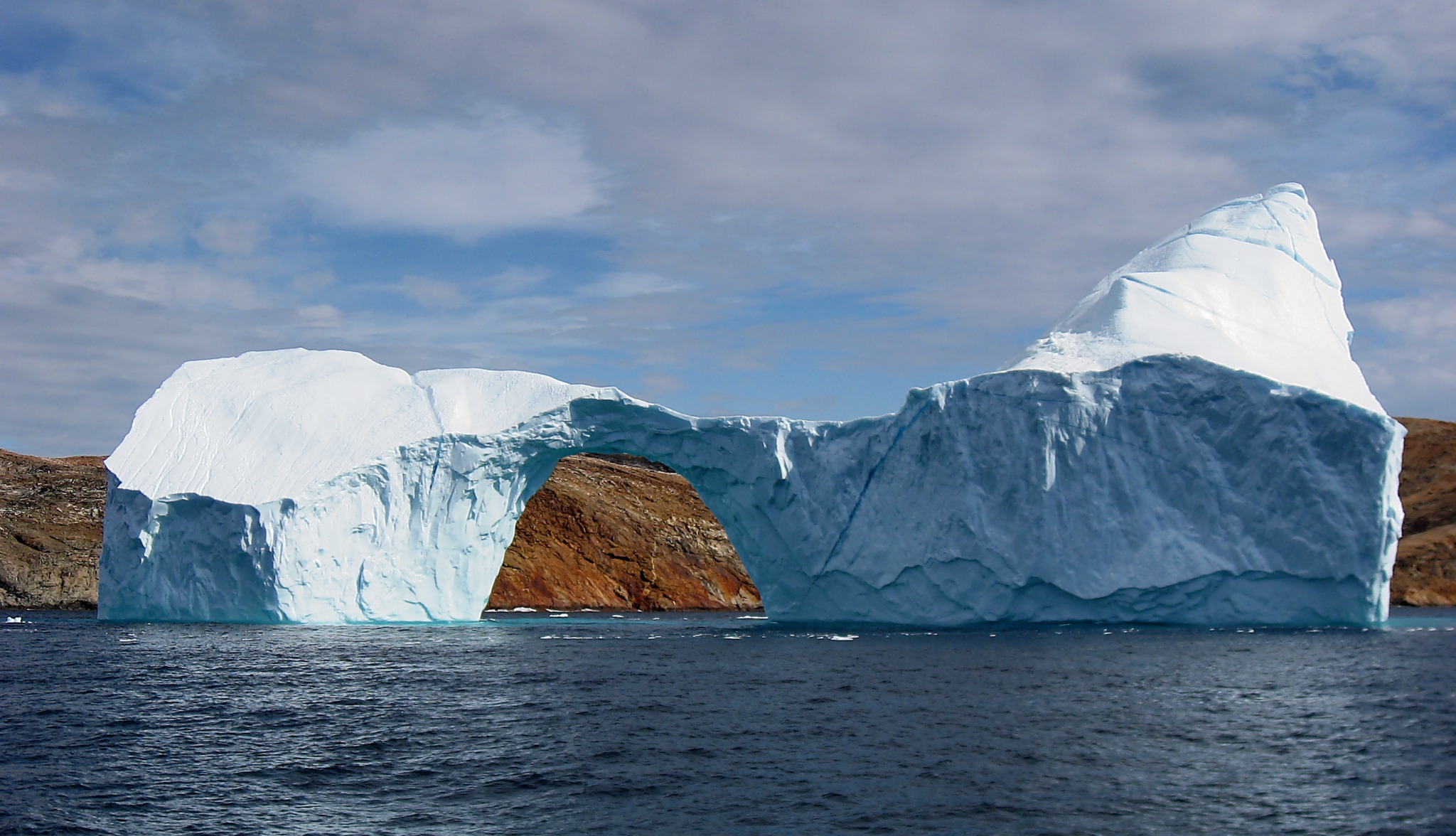 Uneven Ocean Warming as the Planet Shed its Ice