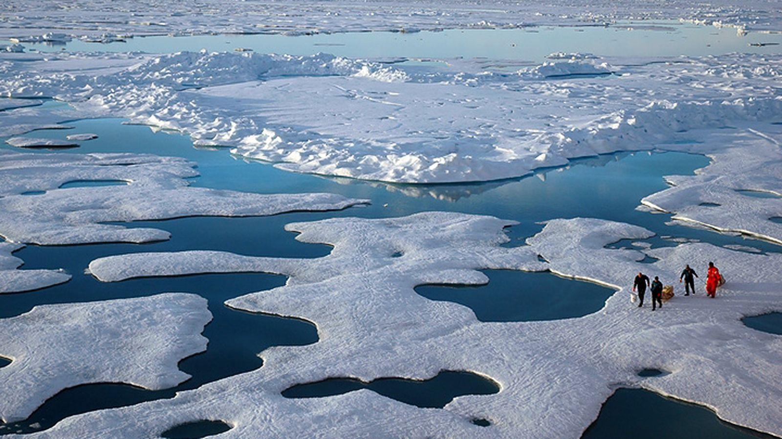 Melting ice, shifting microbes