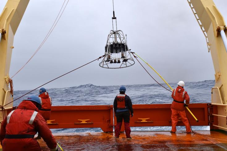 Marine Snow & Muddy Megacoring on the Southern Ocean