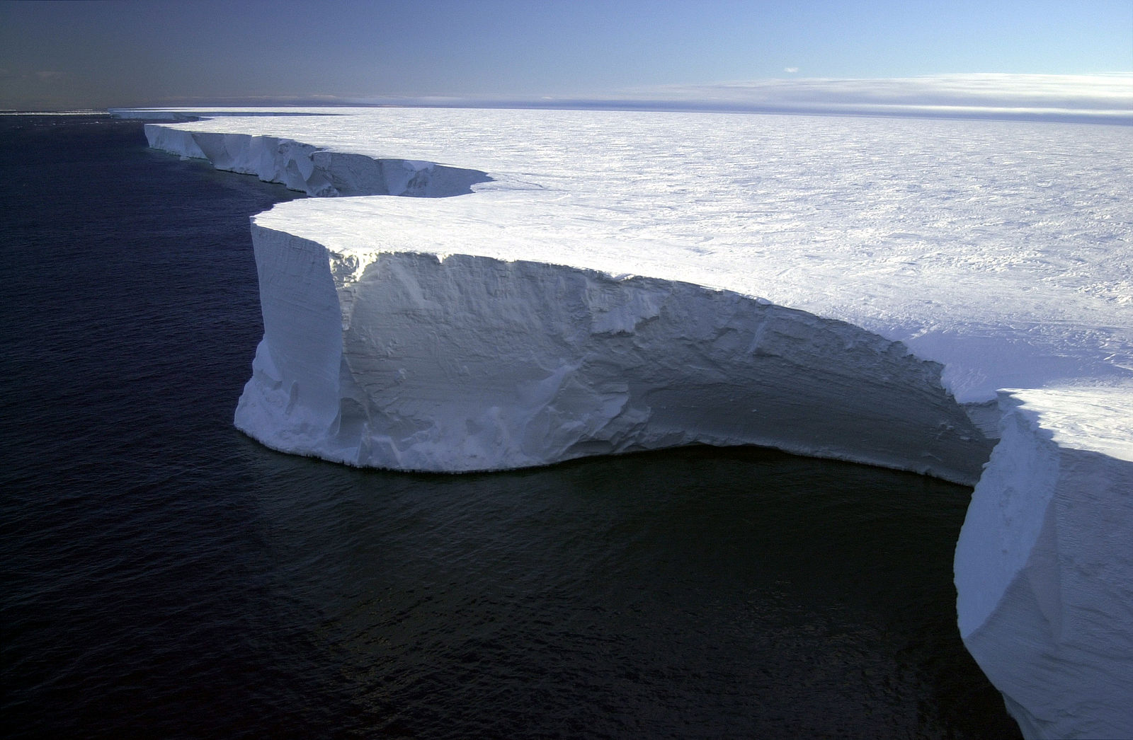 Tipping the iceberg: How Antarctic icebergs influence climate